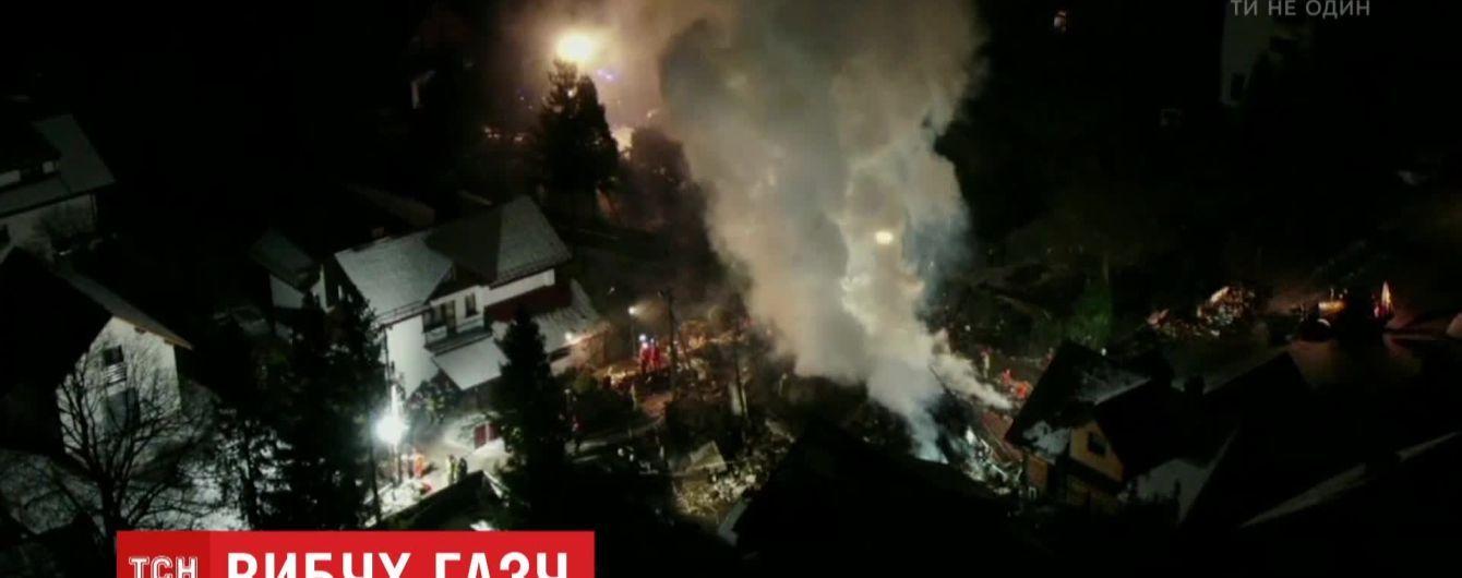 Взрыв в Польше: под завалами дома обнаружили тела восьми человек
