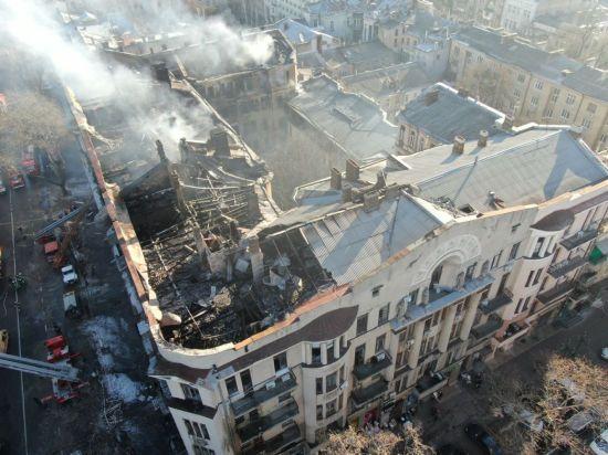 Суд відправив під домашній арешт завгоспа згорілого коледжу в Одесі