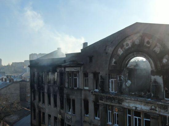 У будівлі одеського коледжу знайшли тіло четвертої жертви пожежі