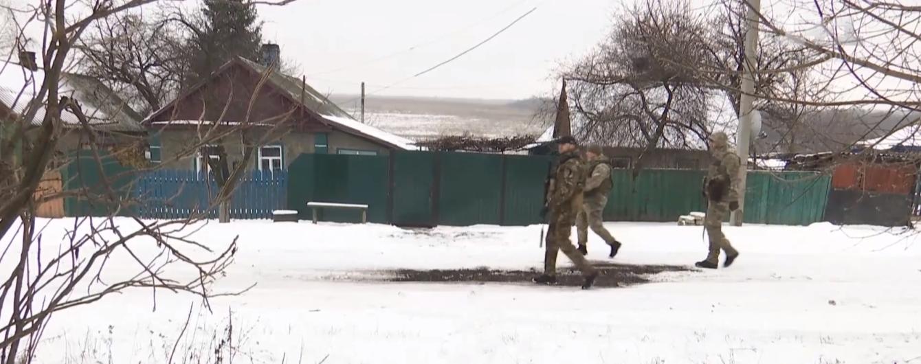 """""""Мира хочется, но болит очень"""": как живут люди после разведения сил на Донбассе"""