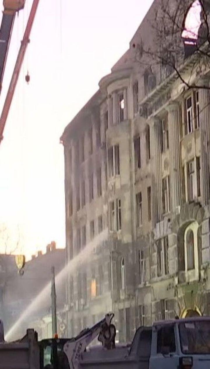 В Одессе продолжается поисковая операция в сгоревшем здании колледжа