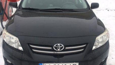 В Киеве грабители похитили у таксиста автомобиль. Мужчину усыпили уколом в шею
