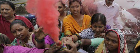 Индию возмутило жестокое убийство женщины. Теперь подозреваемых застрелили копы при непонятных обстоятельствах