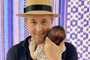 Сергій Бабкін влаштував зворушливий концерт на кухні для крихітного сина