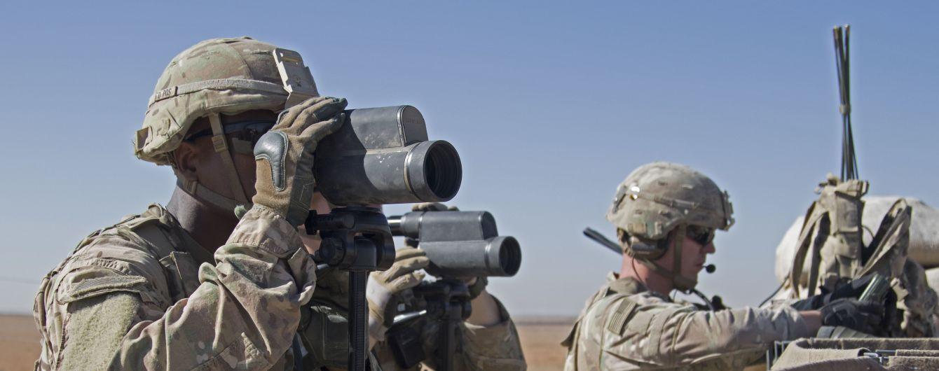 В США на военно-морской базе мужчина открыл стрельбу и ранил 10 человек. Сам стрелок уже мертв