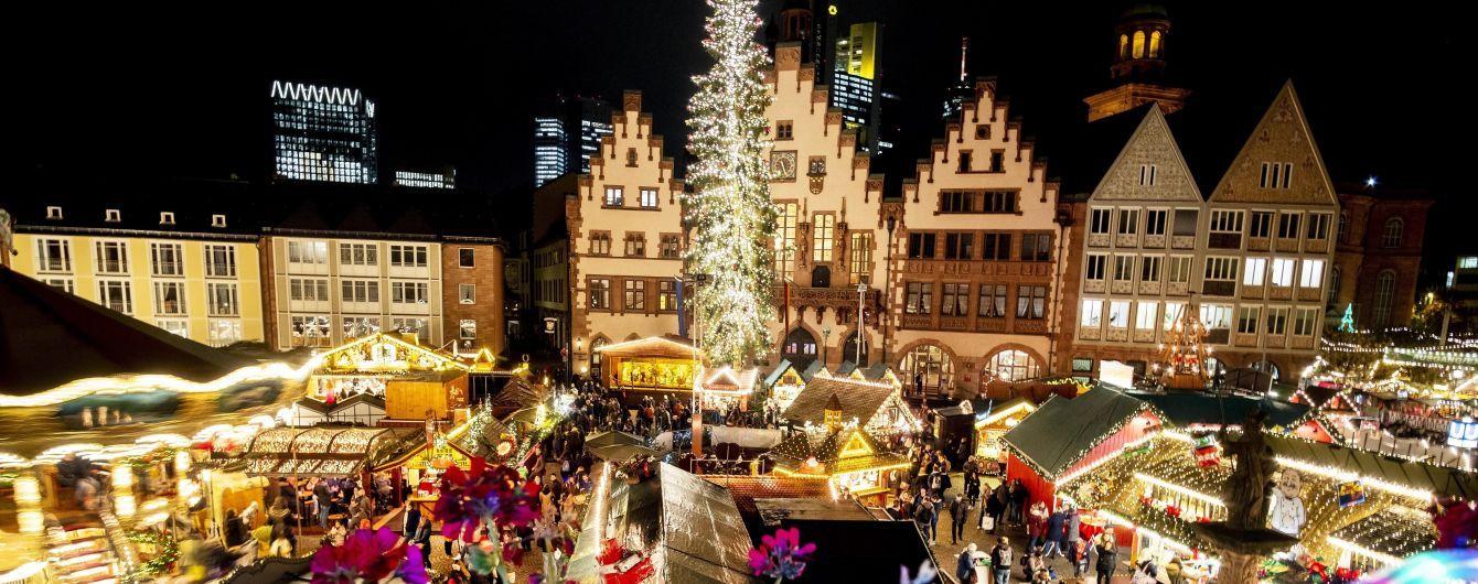 Ялинка із діамантами і кольорові ярмарки: як світ готується до різдвяних свят 2019 року