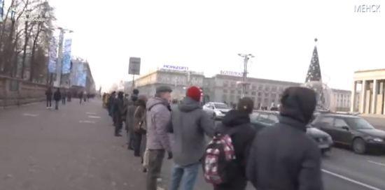 """""""Нас поб'ють, але більше немає сил боятися"""". У Мінську починається протест проти інтеграції з Росією"""