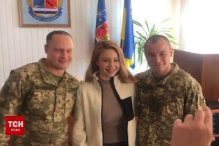Тіна Кароль на передовій привітала військових з Днем ЗСУ