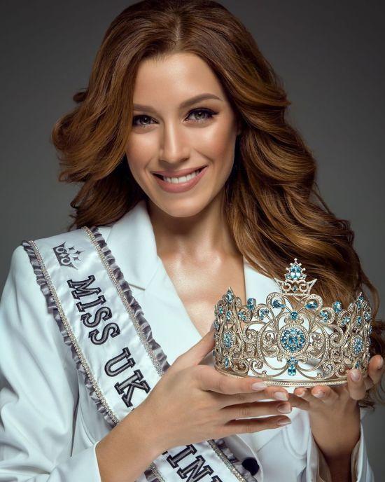 """Переможниця конкурсу """"Міс Україна Всесвіт"""" зізналася, чому їй відмовили у візі до США"""