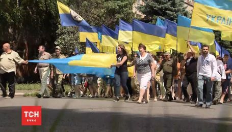 Журналисты ТСН нашли архивные кадры с убитым за украинский язык активистом Мирошниченко