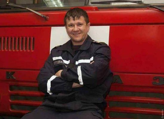 У ДСНС назвали ім'я рятувальника, який помер у лікарні після пожежі в одеському коледжі