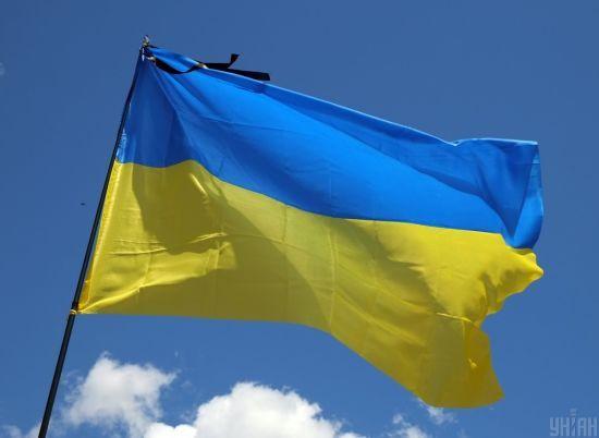 Всеукраїнський траур оголосили через смертельну пожежу в коледжі Одеси