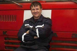В ГСЧС назвали имя спасателя, который скончался в больнице после пожара в одесском колледже