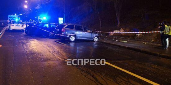 У центрі Києва зіткнулися дві іномарки: загинула жінка