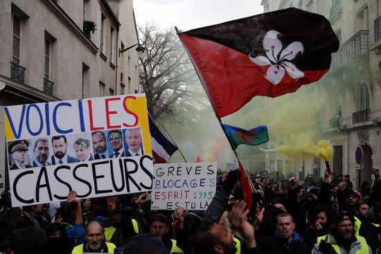 Найбільший страйк десятиріччя. Майже всі потяги у Франції скасували через масові мітинги
