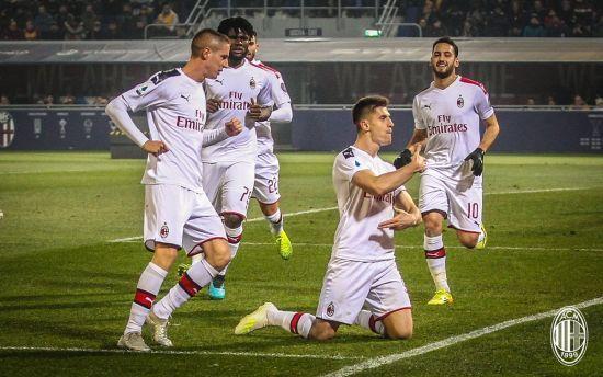 """Два пенальті та автогол. """"Мілан"""" у видовищному матчі переміг """"Болонью"""" в Серії А"""