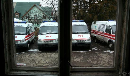 На Івано-Франківщині авто врізалось у міст: пасажир помер