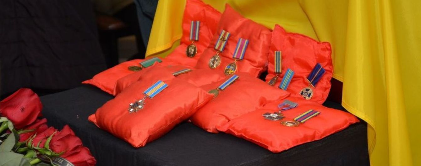 В Киеве прощаются с погибшим полковником Каплуновым, тело которого наконец отдали боевики