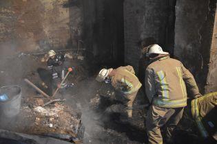 У одесских спасателей проводят обыски из-за пожара в колледже