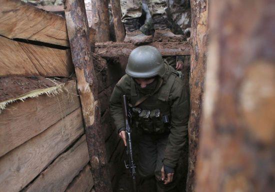 Мінімум обстрілів та відсутність втрат. Як минув понеділок на Донбасі