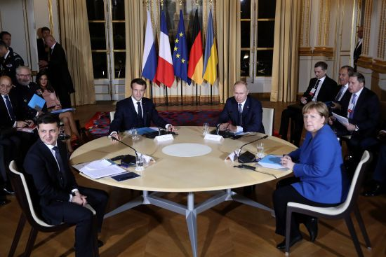 """Перші перемовини Зеленського й Путіна закінчилися. Глава Кремля заявив, що залишився """"задоволений"""" їх підсумками"""
