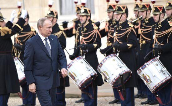 """Путін на спільній пресконференції подякував усім лідерам """"нормандського формату"""", окрім Зеленського"""