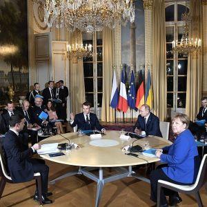"""Зеленский объяснил судьбу вопрос о Крыме на """"нормандском саммите"""" в Париже"""