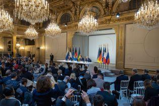 Козирний аргумент Путіна: Зеленський розповів, що на переговорах йому заважали акції на Банковій