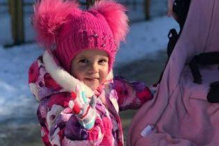 Помогите маленькой Алисе одолеть злокачественную опухоль в ее голове