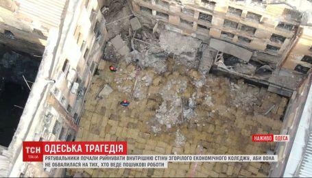 Огнетушители в Одесском колледже находились под кроватью коменданта – полиция