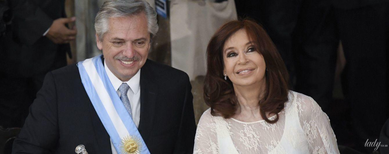 У білосніжному мереживному вбранні: колишня президентка Аргентини на церемонії інавгурації