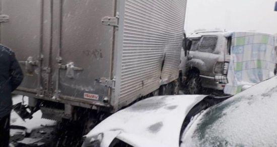 У Росії в ДТП на трасі потрапили більше 50 машин