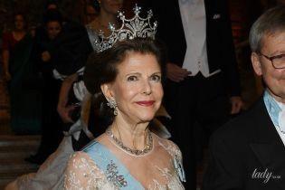 У напівпрозорій сукні і тіарі: розкішний образ королеви Сільвії на церемонії в Стокгольмі