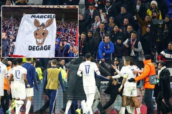 Ліон фанати банер