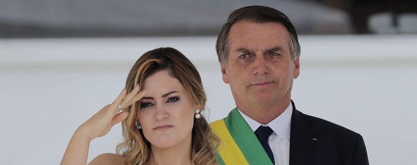 """Президент Бразилії закликав припинити карантин та назвав коронавірус """"легким грипом"""""""