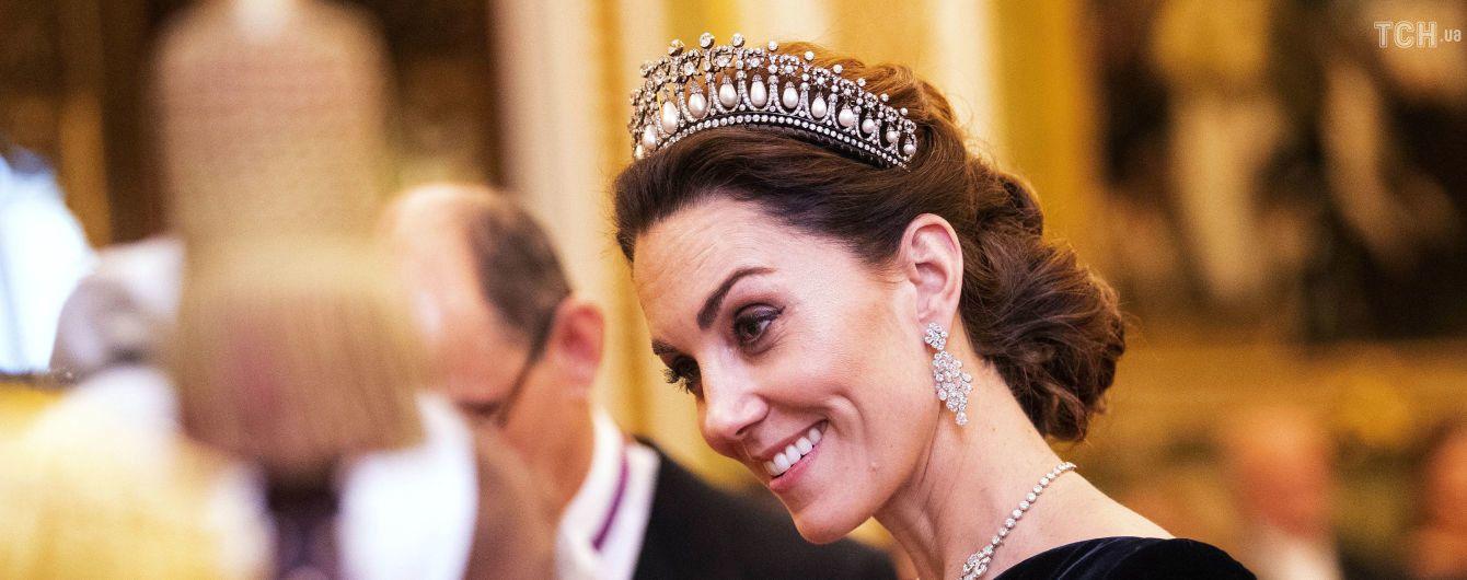 Роскошные принц Уильям и Кейт в тиаре принцессы Дианы посетили прием королевы Елизаветы II
