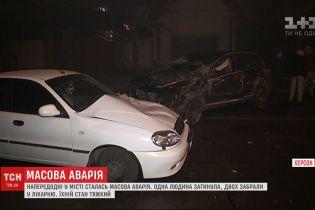 Унаслідок автотрощі у Херсоні загинув 80-річний водій, ще двох людей ушпиталили
