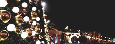 Американка удивила соседей неприличным узором на крыше к Рождеству