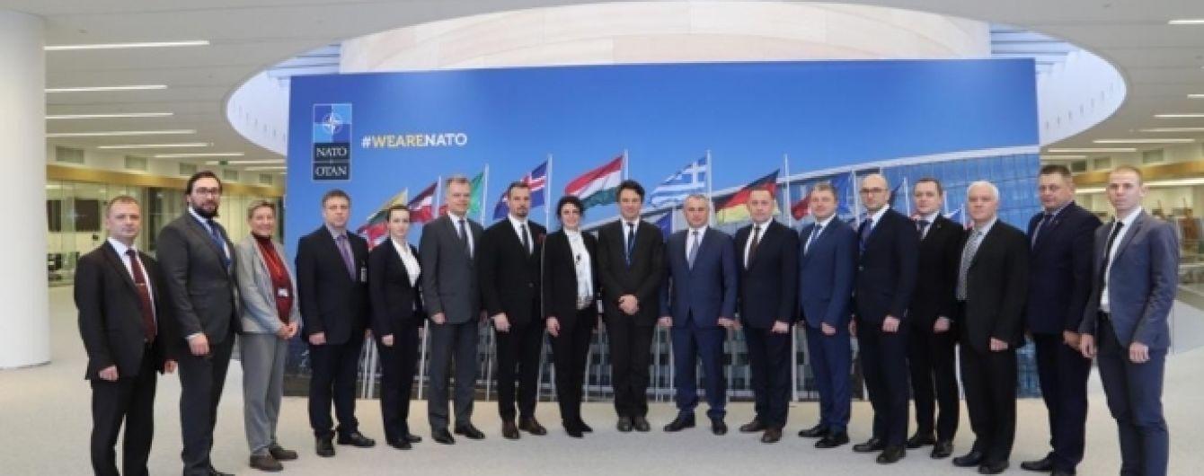 Украина и НАТО обновили дорожную карту по оборонно-техническому сотрудничеству