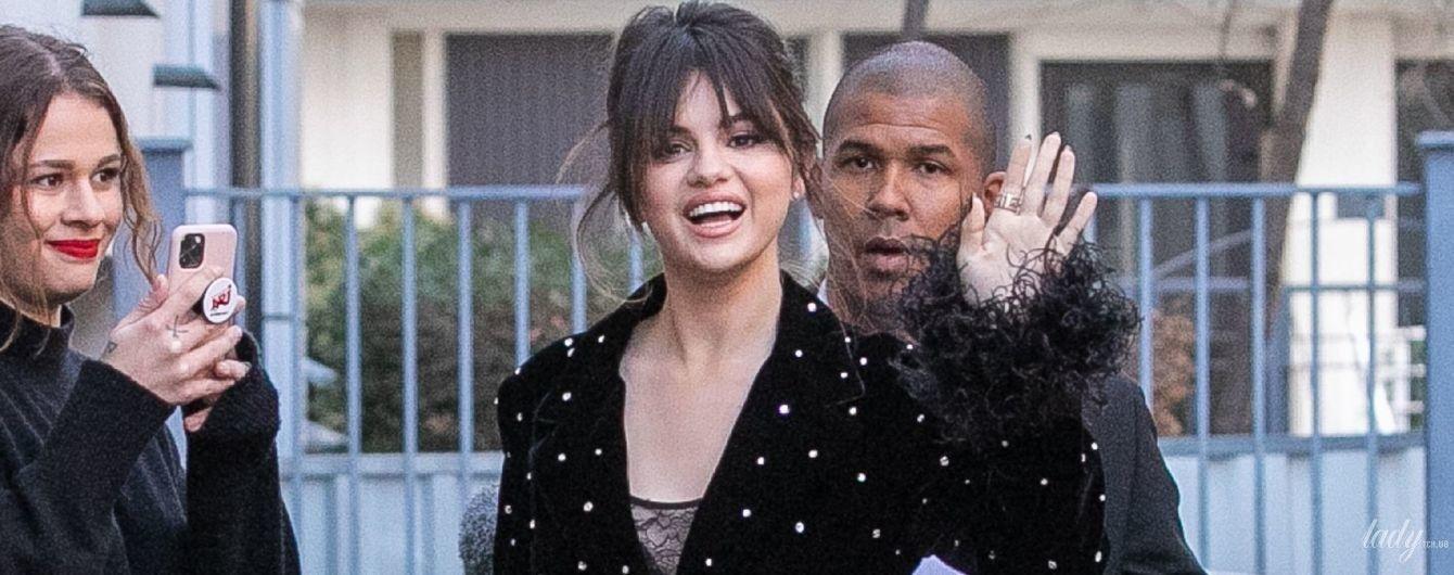 В бельевом платье: Селена Гомес в объективах парижских папарацци