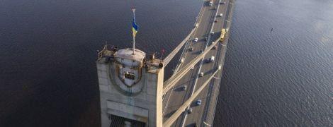 У Києві в суботу обмежать рух мостом на Троєщину