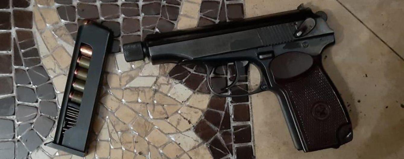 На Киевщине преступники напали на предпринимателя и обстреляли полицейских