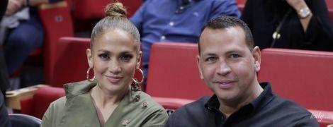 Влюбленные на баскетболе: Джей Ло и Алекс Родригес на спортивном мероприятии