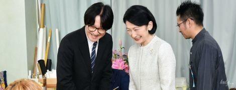 В светлом наряде и тапочках: японская принцесса Кико на фестивале в Окинаве