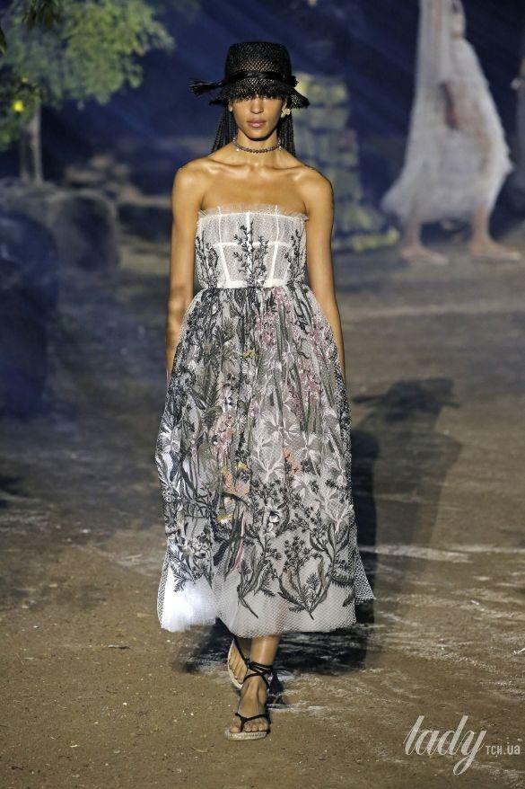 Коллекция Christian Dior прет-а-порте сезона весна-лето 2020_76