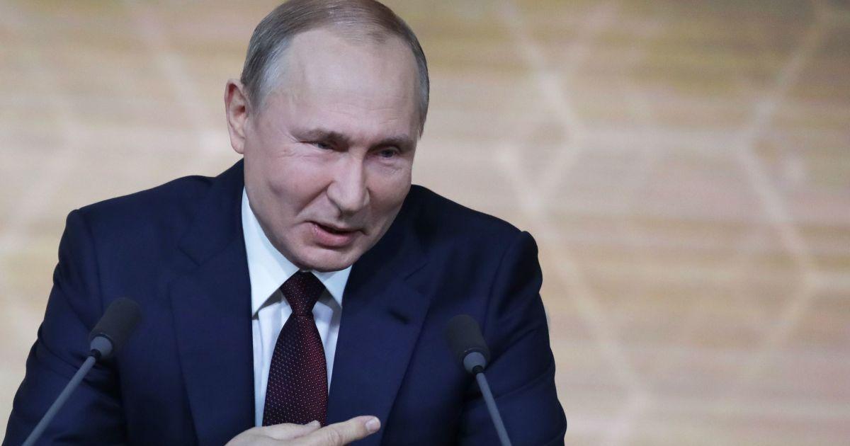 """""""Анексії не було"""": у Путіна відповіли на заяву Байдена про невизнання Криму російським"""