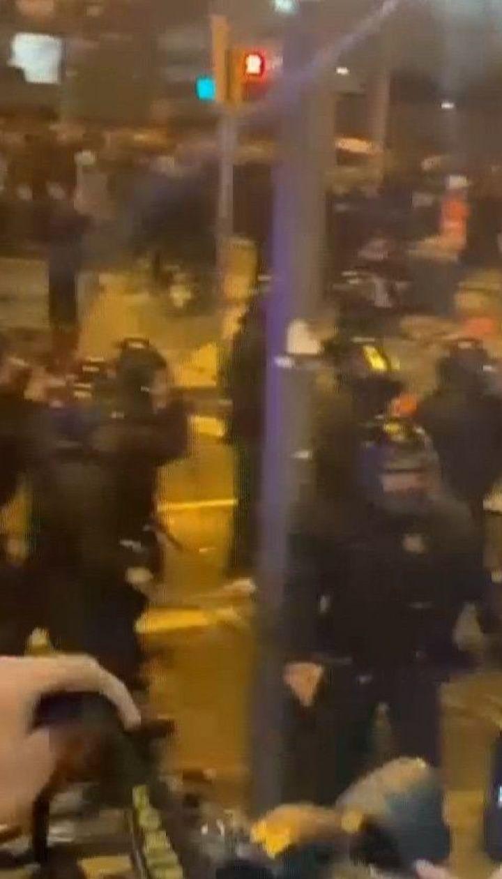 Внаслідок масштабних сутичок у Каталонії 13 людей забрала швидка