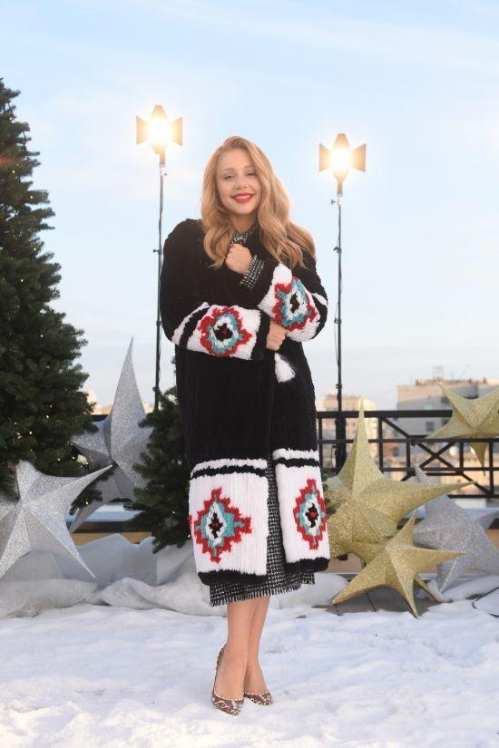 """На """"Різдвяний Сніданок"""" MONATIK вбрався у новорічний светр, а Тіна Кароль – у мешти-пряники"""