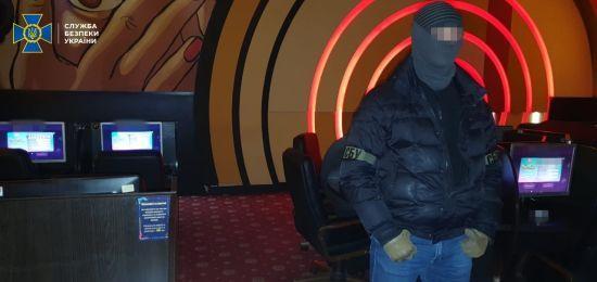 У Рівненській області поліція вилучила майже 500 одиниць техніки гральних закладів