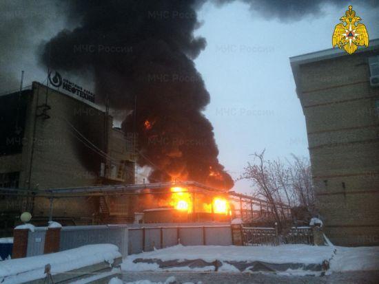 У Росії масштабно горів нафтохімічний завод
